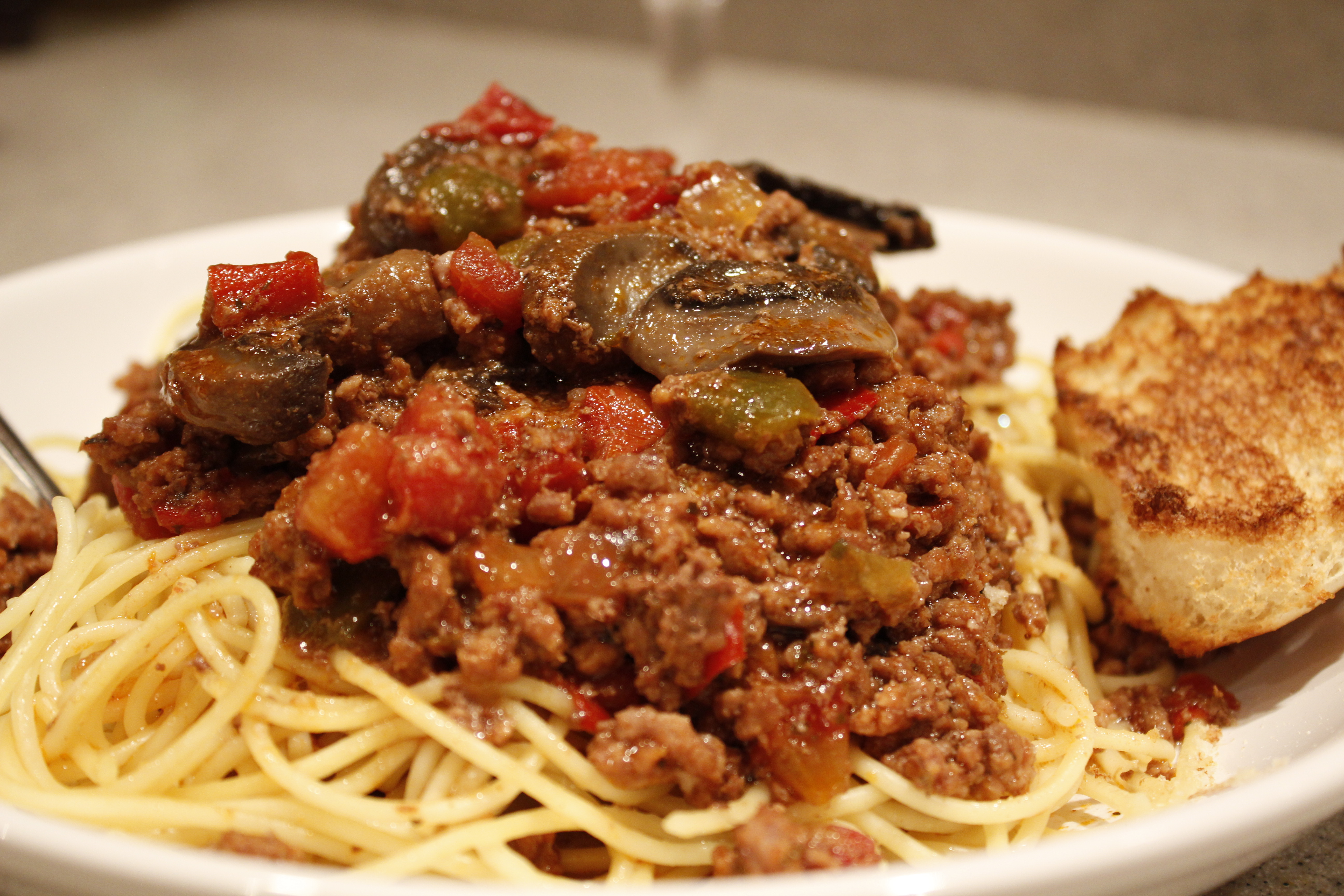 Cathy's Slow-Cooked Meat Sauce on Pasta | Jesben